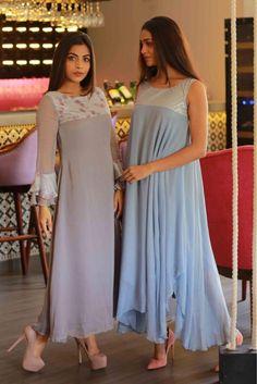 Kurti Designs Party Wear, Salwar Designs, Blouse Designs, Dress Designs, Indian Wedding Outfits, Indian Outfits, Pakistani Dresses, Indian Dresses, Boutique Dresses