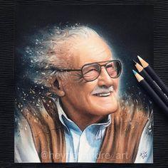 Drawing Marvel Comics Stan lee the legend Stan Lee, Marvel Fan, Marvel Dc Comics, Marvel Avengers, Character Drawing, Comic Character, Celebrity Drawings, Polychromos, Marvel Memes
