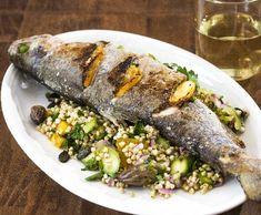 Grilovaný pstruh s pohankou | Recepty Albert Chicken, Meat, Food, Meal, Essen, Cubs