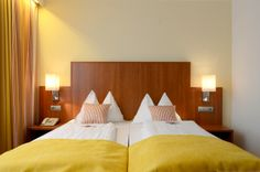 Die neuen Boxspringbetten im Hotel Wachauerhof laden zum Entspannen ein Bed, Furniture, Home Decor, Decoration Home, Stream Bed, Room Decor, Home Furnishings, Beds, Home Interior Design