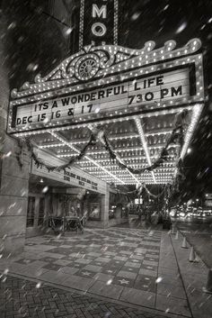 Vintage NYC Theater Broadway show New York City Its a wonderful life movie Ashland Kentucky, My Old Kentucky Home, Christmas Past, Christmas Movies, Vintage Christmas, Christmas Sayings, Xmas, Christmas Photos, Christmas Ornament