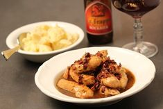 Rabbit with cubes of bacon, apple-syrup - La Trappe Trappist Syrup, Chicken Wings, Entrees, Mashed Potatoes, Ale, Bacon, Meat, Cubes, Ethnic Recipes