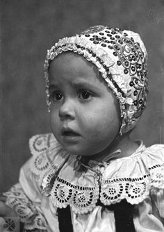 Slovakia - Children in traditional costumes (vol. Heart Of Europe, Baby Costumes, Folk Costume, People Of The World, Toddler Fashion, Textiles, Culture, Embroidery, Children