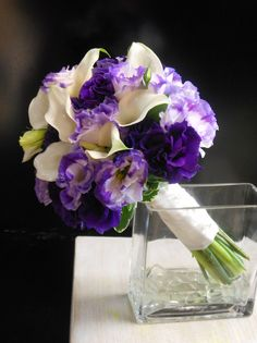 Calla lilies and lisianthus