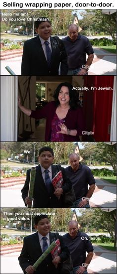 Modern Family : Selling wrapping paper, door-to-door (love this show) Modern Family Quotes, Haha Funny, Funny Stuff, Funny Things, Funny Shit, Funny Moments, Awesome Stuff, Random Stuff, Drama