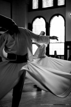 Sufi dance Dance Photography, Creative Photography, Steps Dance, Turkey Culture, Whirling Dervish, Karbala Photography, Black And White People, Islamic Art Calligraphy, Persian Calligraphy