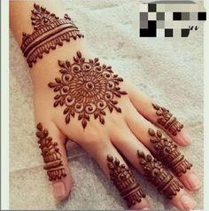 Circle Mehndi Designs, Round Mehndi Design, Henna Flower Designs, Mehndi Designs Front Hand, Pretty Henna Designs, Latest Henna Designs, Finger Henna Designs, Henna Art Designs, Mehndi Designs For Beginners
