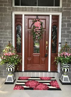 Big and Beautiful! Wreaths For Front Door, Front Door Colors, Front Door Entryway, Wreath Hanger, Front Yard Decor, Front Porch Decorating, Porch Landscaping, Front Yard Design, Backyard Decor