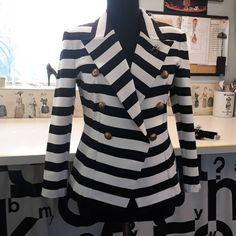 #stripes#blackandwhite #mywork #mydesign #mysewing #doublebreasted #blazer #goldbuttons #jersey#eurokangas