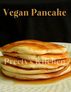 Great vegan pancakes made with half whole wheat & half unbleached white flour. Vegan Keto, Vegan Foods, Vegan Dishes, Raw Vegan, Pancakes Végétaliens, Coconut Flour Pancakes, Best Vegan Pancakes, Waffles, Egg Free Recipes