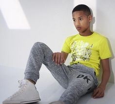 Elegant Outfit Ideas For Teen Boys 02 - Teen fashion is a completely new segment that has created a rage in the fashion industry. The century teens have adopted extremely amazing fashio. Boys Summer Dress Clothes, Boys Summer Outfits, Baby Boy Outfits, Outfits For Teens, Young Boys Fashion, Teen Boy Fashion, Fashion Fall, Middle School Outfits, Teen Boys