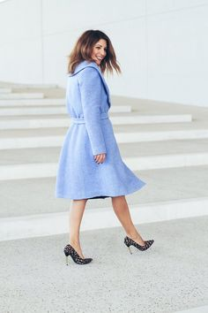 Happy ✨ Check my favorite baby blue coat on the blog 💙 #blue #coat #ootd