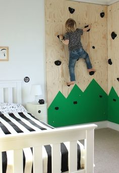 Indoor climbing wall for an outdoors-themed bedroom DIY climbing wall for an outdoors-themed bedroom « Growing Spaces Indoor Climbing Wall, Rock Climbing, Kids Climbing, Toddler Climbing Wall, Climbing Holds, Deco Kids, Bedroom Themes, Bedroom Colors, Bedroom Sets