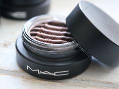 This Just In: MAC SpellBinder Eyeshadows + Giveaway! • Girl Loves Gloss