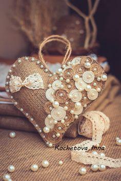 Валентинки-подвески из мешковины и кружева   Панель идей