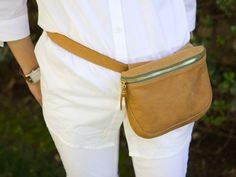 Clare Vivier belt satchel (cuz fanny pack is just such a bad way to describe this cutie) Fashion Bags, Fashion Accessories, Mens Fashion, Leather Projects, Leather Crafts, Clare Vivier, Hip Bag, Get Dressed, Personal Style