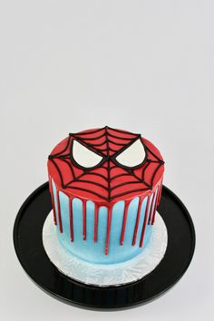 Salmon and mozzarella cake - Clean Eating Snacks Spiderman Birthday Cake, 3rd Birthday Cakes, Novelty Birthday Cakes, Superhero Cake, 4th Birthday, Drip Cakes, Cake Icing, Cupcake Cakes, Pastel Avengers