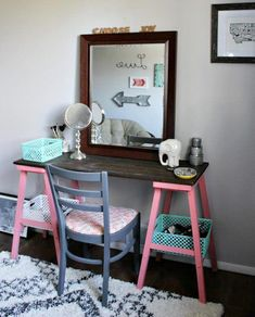 8 simple DIY makeup vanity ideas you can't miss - balancing bucksYou are here: Home / DIY & Handicrafts / 8 Easy DIY Makeup Vanity Ideas You Can't Miss 8 Easy DIY Makeup Vanity Ideas Corner Makeup Vanity, Makeup Table Vanity, Vanity Ideas, Makeup Tables, Vanity Set, Makeup Forever Setting Spray, Home Design, Design Design, Design Ideas