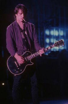 My boyfriend Izzy Stradlin, 1989. Photo by Neil Zlozower