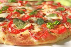 PIZZA MARGHERITA – A ROYAL PIE!