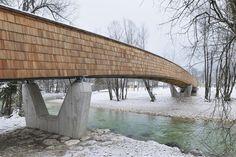 Puente de Bicicletas en el Río Sava,© Miran Kambič