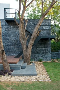 Dinesh Mills Bungalow / atelier dnD