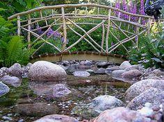 Kaarisilta, jossa vähän luonnonmukaisuutta kaiteissa Garden Bridge, Outdoor Structures
