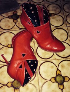 Rosso...che passione! Rubber Rain Boots, Shoes, Fashion, Moda, Shoe, Shoes Outlet, Fasion, Footwear, Zapatos