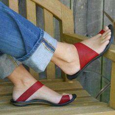 Red Shoes, Cute Shoes, Women's Shoes, Me Too Shoes, Shoe Boots, Flat Shoes, Tieks Shoes, Mode Style, Beautiful Shoes