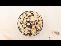 (23) Healthy Cookie Dough - High Protein Vegan Recipe - 50gr de garbanzos, 40gr de proteina de soja, 1/2 taza de leche vegetal, 1 cucharadita de esencia de vainilla, 30-40gr de chips de chocolate negro