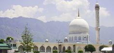 Hazrat Bal   History of Holy Relic of Prophet Muhammad, Moi-E-Muqqadas  http://www.bongblogger.com/kashmir-diaryhistory-of-holy-relic-of-prophet-muhammad-moi-e-muqqadas/