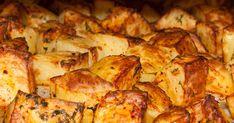 Így lesz valóban ropogós a sült krumpli: egy hozzávaló a titka - Receptek   Sóbors Cauliflower, Potatoes, Chicken, Vegetables, Recipes, Food, Life Hacks, Cauliflowers, Potato