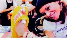 @Alessandra Amoroso on pedicure!