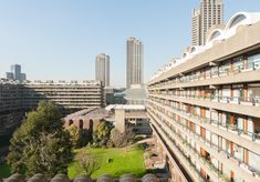 This is a very rare example of a studio flat on the sought-after Golden Lane Estate with most of its original features intact. The apartment is on the second floor of Crescent House, favourably situated at the rear of the building, away from the road. London Architecture, Social Housing, Barbican, Brutalist, Terrace, Past, Multi Story Building, Island, Studio