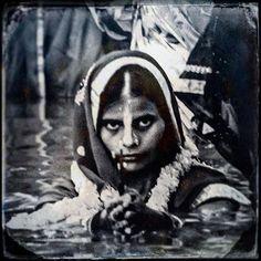 A fragment of memory Varanasi India.  2016 © Jean-Luc Kerouredan  #india #indian #inde #varanasi #streetphotography #blacknwhite_perfection #blackandwhite #blackandwhitephotography #photo #photoshoot #photographie #photographe #photooftheday #travel #travelgram #traveling #trip #travelphoto #instagood #instagram #instamoment #instalike #noiretblanc #blackandwhitephoto #lensculturestreet #lens #lensculture #street_perfection #comptoirdesvoyages