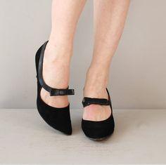 vintage 60s heels / black 1960s mary janes / Lil' Kitten heels