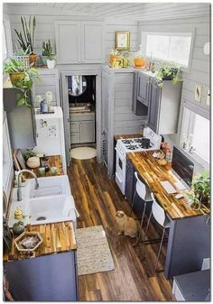 design plans Cool tiny house design ideas to inspire you 40 - GODIYGO.COM Cool tiny house design ideas to inspire you 40 - GODIYGO. Tiny House Kitchen, Home Kitchens, Kitchen Design Small, House Design Kitchen, Home Interior Design, House Design, Beautiful Kitchens, House Interior, Home Design Plans