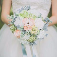 Buquês de noiva 2017 - em tons pastéis e azul
