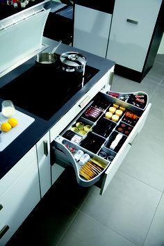 Aménagement intérieur de tiroir disponible sur www.qama.fr #Qama #Amenagement #Tiroir #Cuisine