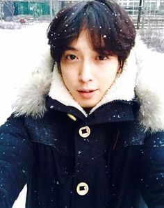 Jung Yonghwa , Oppa.. have a nice Christmas,, I'm feeling a little down, it's the only way of relaying my feelings and the chance that you will be reading this.. well we know.. even though enjoy the holidays!!