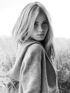 blonde, freckles + eyebrows = natural beauty. If I was as pretty as this girl I would just be so happy :)