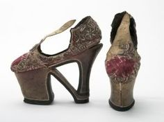 ♕ℛ. Caterina de' Medici con l'aiuto di un artigiano fiorentino disegnò i primi tacchi a spillo....