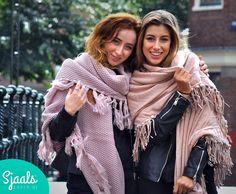 WEEKEND | Wij wensen jullie een warm weekend! ♡ :-D Wil je lekker warm op de bank leuke musthaves winkelen? Ga naar ➳ https://sjaalskopen.nl/shoppen  #shoppen #weekend #vrijdag #friday #TGIF #winkel #webwinkel #winkelen #shopping #sjaal #sjaals #omslagdoek #omslagdoeken #happy #blij #musthave #fashion #trendy #trends #shooting #modeling #models