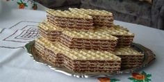 Oblatne (Croatian wafer slices) and other Croatian desserts. Honestly, the only one … - DIY Christmas Cookies Croation Recipes, Slovenian Food, Desserts Around The World, Cookie Recipes, Dessert Recipes, Macedonian Food, Pastry Cake, Dessert Bars, Yummy Treats