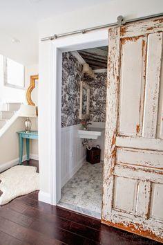 25 Decor Ideas That Make Small Bathrooms Feel Bigger Small rooms