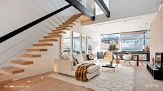 Interior Modern Living Room With Stylish Floating Staircase Design Beautiful Floating Stairs for Residence: Exposed Spatial Charm New York Condos, Interior Architecture, Interior And Exterior, Escalier Design, Floating Staircase, Duplex Apartment, York Apartment, Dream Apartment, Apartment Interior