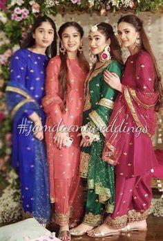 Bride with her sisters on her pre engagement dholki ( all wearing jamdaani ) love their gota jora's Nikkah Dress, Shadi Dresses, Pakistani Formal Dresses, Indian Dresses, Max Dresses, Pakistani Clothing, Mehndi Dress, Pakistani Fashion Party Wear, Pakistani Wedding Outfits