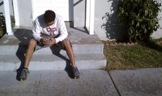 Thomas goes old school and Fluds on the front steps. http://on.fb.me/tYfk3Q
