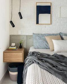 Dormitorios pequeños Decor Interior Design, Interior Decorating, Aesthetic Room Decor, Real Estate Houses, Wood Table, Floating Nightstand, Home Art, Home Goods, Diy Home Decor