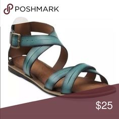 CLARKS Billie Jazz Teal Ankle Strap Sandal - Sz 9 CLARKS Billie Jazz Teal Ankle Strap Sandal - Sz 9. Worn on one occasion. Ships from a smoke free home :) Clarks Shoes Sandals